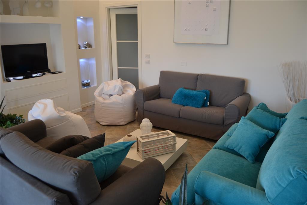 Appartamento in vendita a Polpenazze del Garda, 5 locali, prezzo € 420.000 | Cambio Casa.it