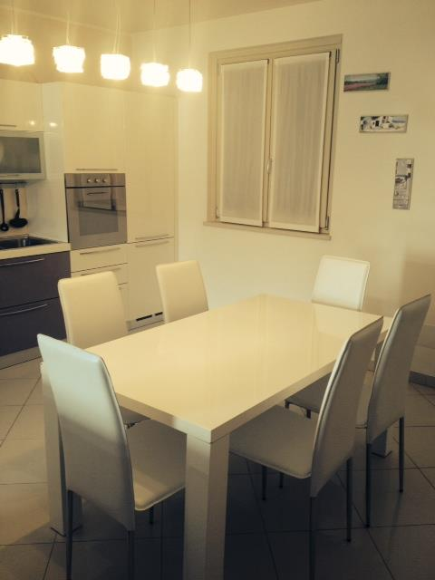 Villa in vendita a Polpenazze del Garda, 8 locali, prezzo € 600.000 | Cambio Casa.it
