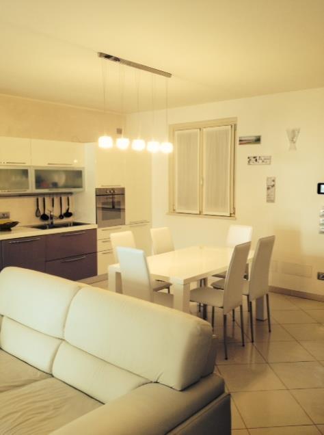 Villa in vendita a Polpenazze del Garda, 8 locali, prezzo € 700.000   Cambio Casa.it
