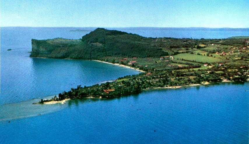 Villa in vendita a Padenghe sul Garda, 6 locali, zona Località: MONTE, Trattative riservate | Cambio Casa.it