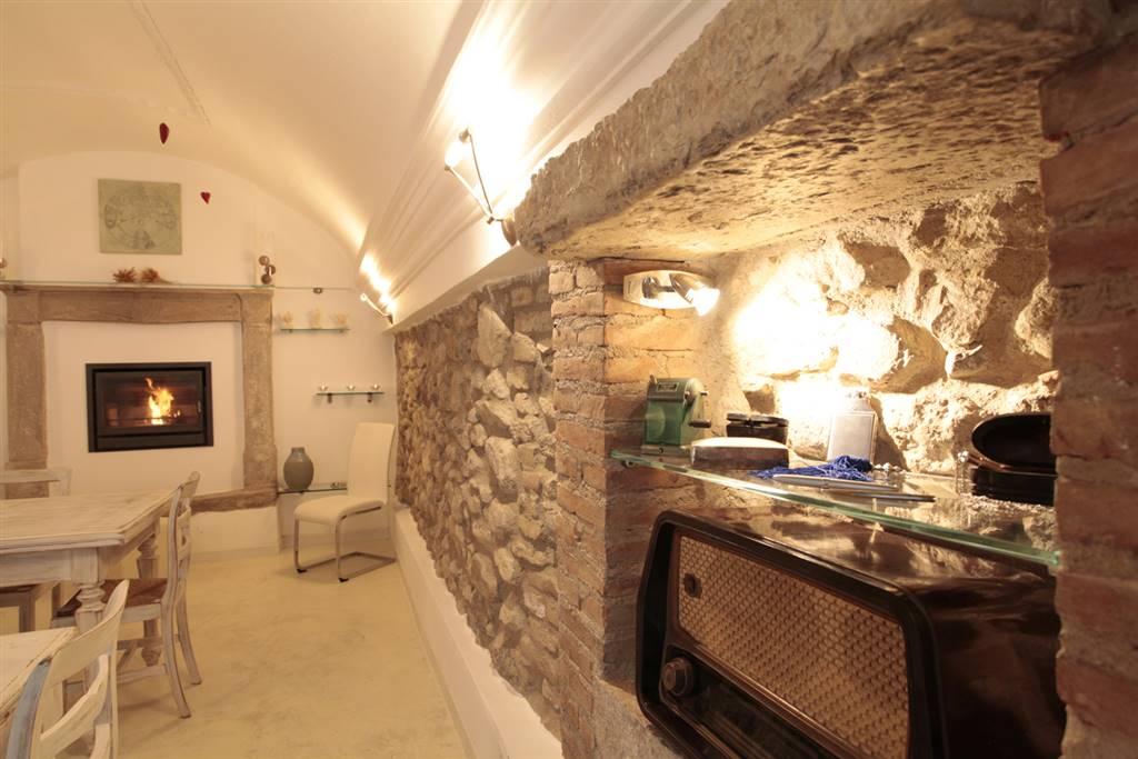 Appartamento in vendita a Manerba del Garda, 3 locali, prezzo € 350.000   Cambio Casa.it