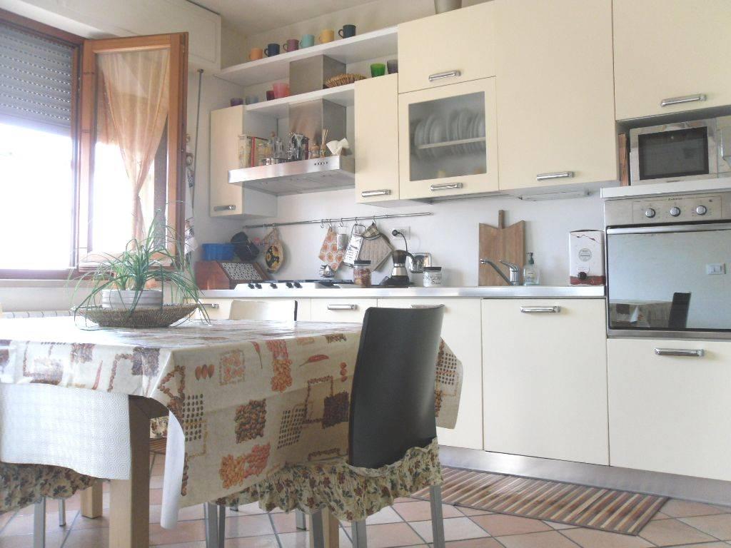 Appartamento in vendita a Sesto Fiorentino, 3 locali, prezzo € 160.000   CambioCasa.it