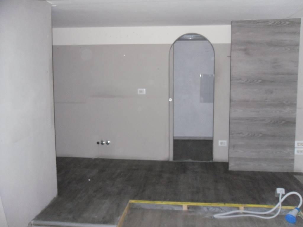 Negozio / Locale in affitto a Firenze, 2 locali, zona Località: CURE, prezzo € 750 | Cambio Casa.it