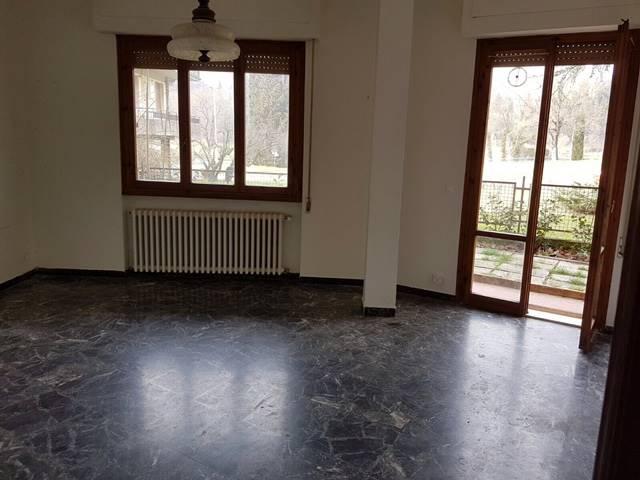 Appartamento in vendita a Fiesole, 4 locali, zona Zona: Pian di Mugnone, prezzo € 275.000 | Cambio Casa.it