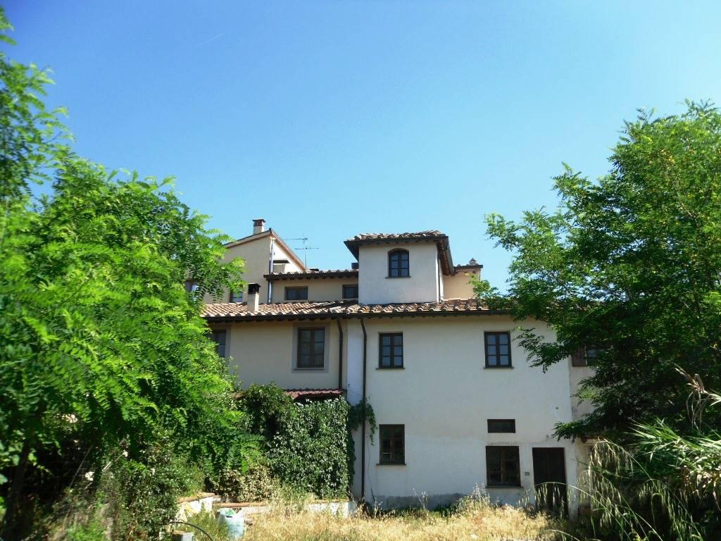 Soluzione Indipendente in vendita a Castelfiorentino, 6 locali, prezzo € 350.000 | Cambio Casa.it