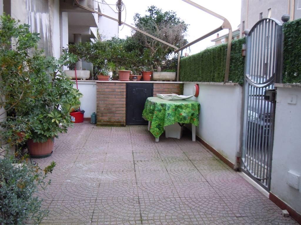 Villa in vendita a Nettuno, 4 locali, zona Zona: Poligono, prezzo € 160.000 | CambioCasa.it