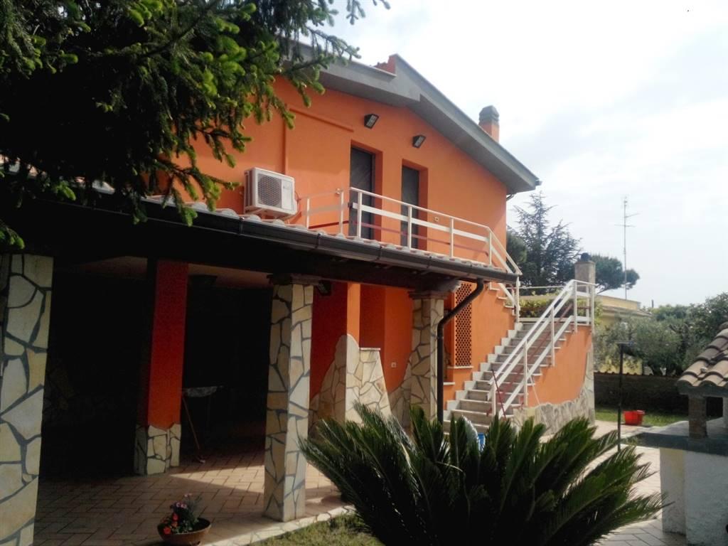 Villa Bifamiliare in vendita a Nettuno, 5 locali, prezzo € 250.000   Cambio Casa.it