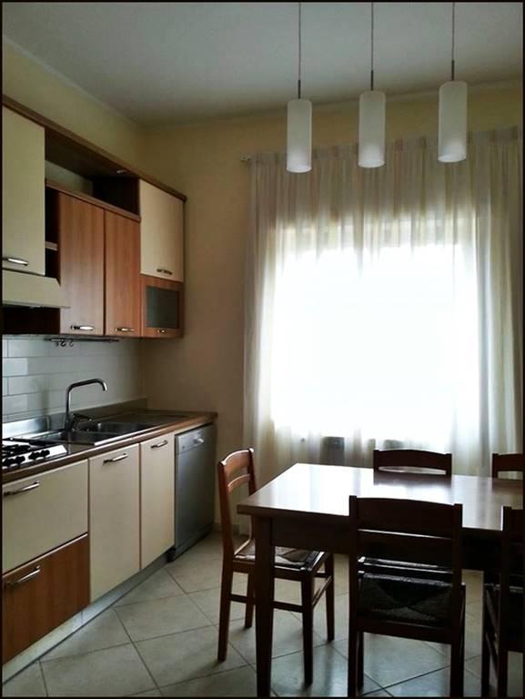 Soluzione Indipendente in affitto a Lamezia Terme, 3 locali, zona Zona: Nicastro, prezzo € 400   Cambio Casa.it