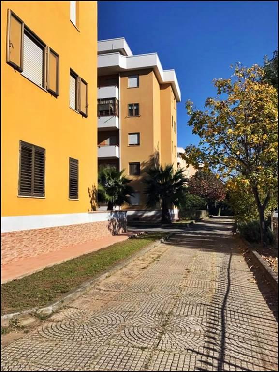 Appartamento in vendita a Lamezia Terme, 4 locali, zona Zona: Sambiase, prezzo € 90.000 | CambioCasa.it