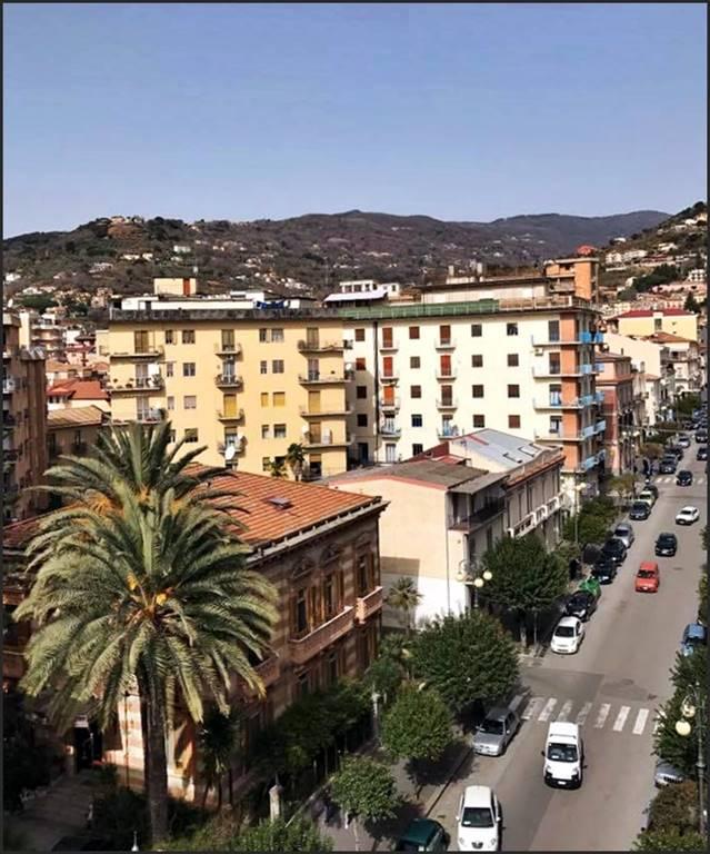 Attico / Mansarda in vendita a Lamezia Terme, 4 locali, zona Zona: Nicastro, prezzo € 165.000 | CambioCasa.it