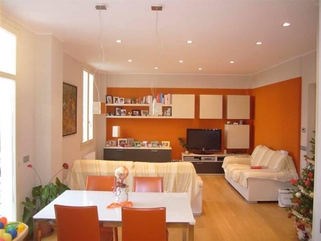 Appartamento in vendita a Ventimiglia, 4 locali, zona Località: CENTRO STUDI, prezzo € 395.000 | Cambio Casa.it