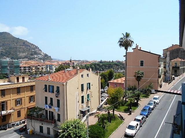 Appartamento in vendita a Ventimiglia, 3 locali, zona Località: BORGO, prezzo € 115.000 | Cambio Casa.it