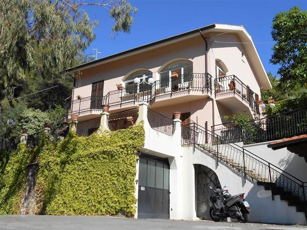 Annunci immobiliari di vendita a vallecrosia for Piani immobiliari
