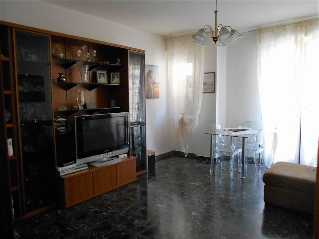 Appartamento in vendita a Ventimiglia, 4 locali, zona Località: CENTRO, prezzo € 290.000 | Cambio Casa.it