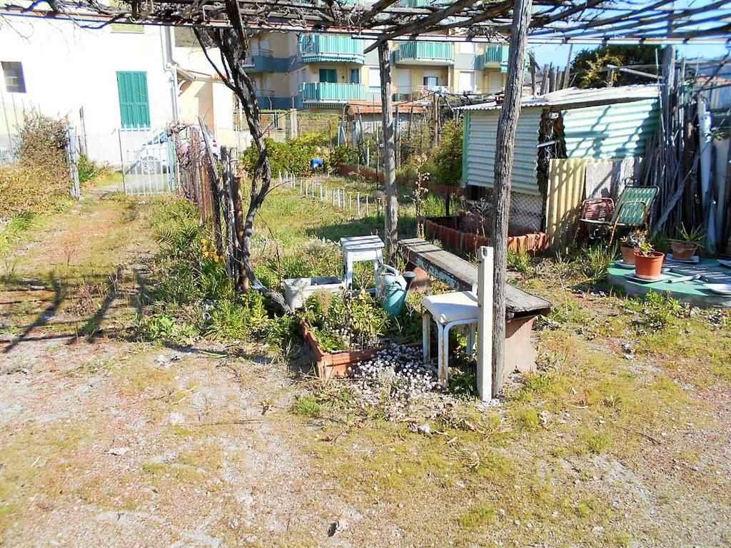 Soluzione Indipendente in vendita a Ventimiglia, 8 locali, zona Località: NERVIA, prezzo € 330.000 | CambioCasa.it