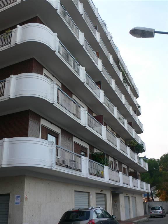 Appartamento in vendita a Pescara, 5 locali, zona Zona: Zona Nord , prezzo € 300.000 | Cambio Casa.it