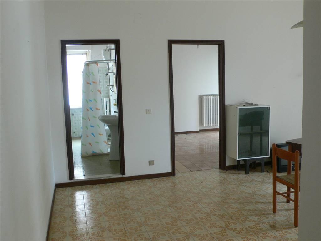 Appartamento in vendita a Montesilvano, 3 locali, zona Località: CASE DI PIETRO, prezzo € 64.000 | Cambio Casa.it