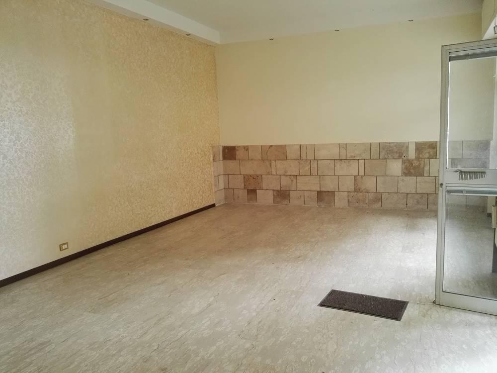 Negozio / Locale in vendita a Pescara, 3 locali, zona Zona: Porta Nuova, prezzo € 125.000 | CambioCasa.it