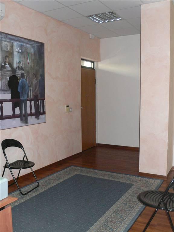 Ufficio / Studio in vendita a Francavilla al Mare, 9999 locali, prezzo € 240.000   CambioCasa.it