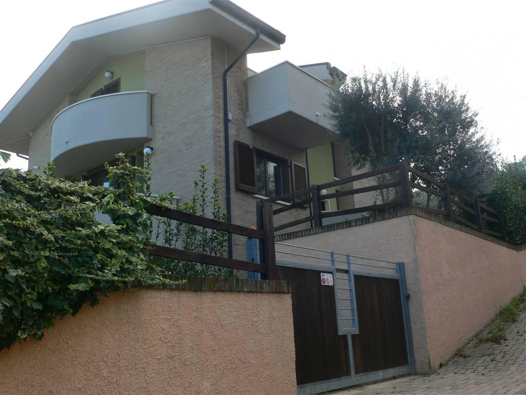 Villa-Villetta  in Affitto a Pescara
