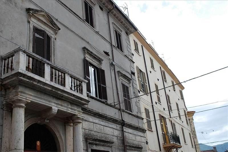 Appartamento in vendita a Scandriglia, 6 locali, zona Zona: Ponticelli Sabino, prezzo € 150.000 | Cambio Casa.it