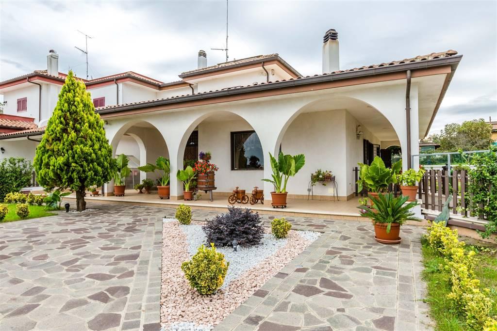 Villa Bifamiliare in Vendita a San Cesareo