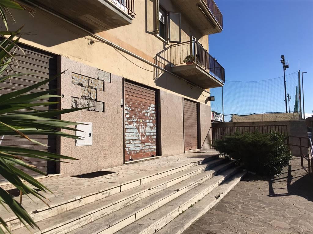 Attività / Licenza in affitto a Roma, 1 locali, zona Zona: 36 . Finocchio, Torre Gaia, Tor Vergata, Borghesiana, prezzo € 1.200 | Cambio Casa.it