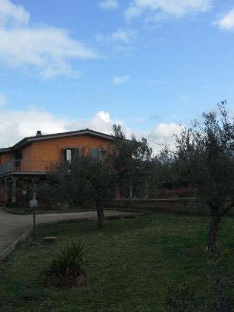 Villa in vendita a Gallicano nel Lazio, 5 locali, prezzo € 160.000 | Cambio Casa.it