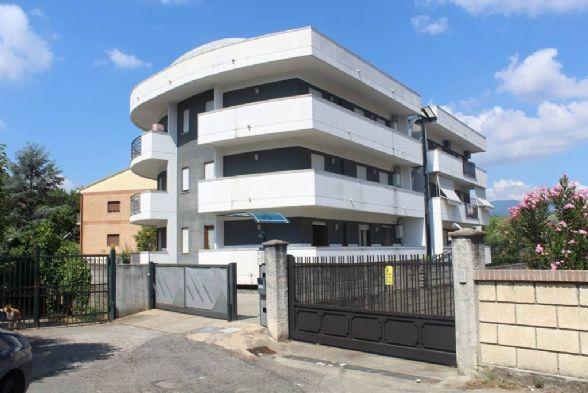 Appartamento in vendita a Rende, 3 locali, zona Località: SAPORITO, prezzo € 90.000 | Cambio Casa.it