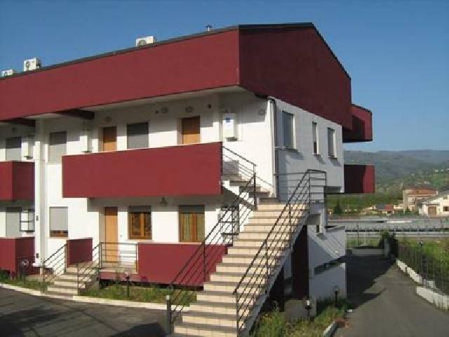 Appartamento in vendita a Rende, 4 locali, zona Località: ARCAVACATA, prezzo € 135.000 | Cambio Casa.it