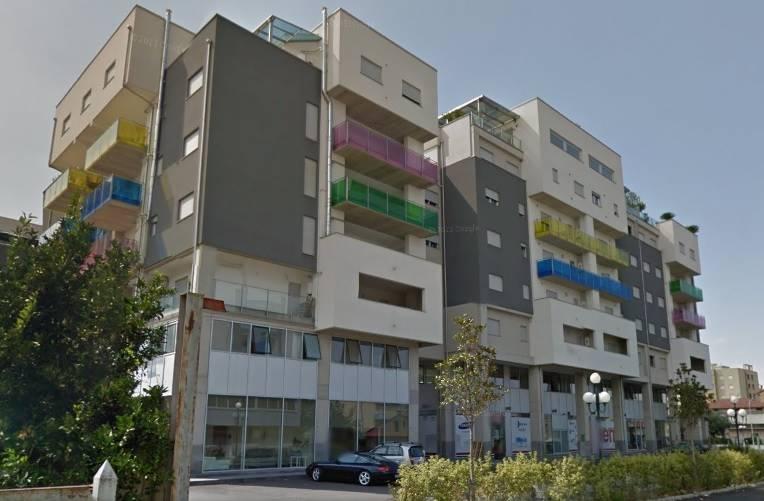 Negozio / Locale in affitto a Rende, 1 locali, zona Zona: Quattromiglia, prezzo € 750 | Cambio Casa.it