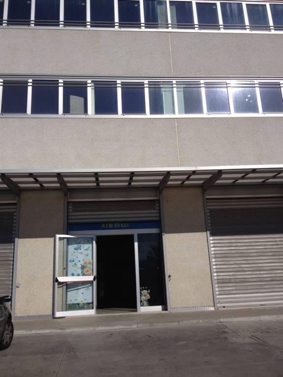 Ufficio / Studio in affitto a Zumpano, 1 locali, prezzo € 350 | Cambio Casa.it