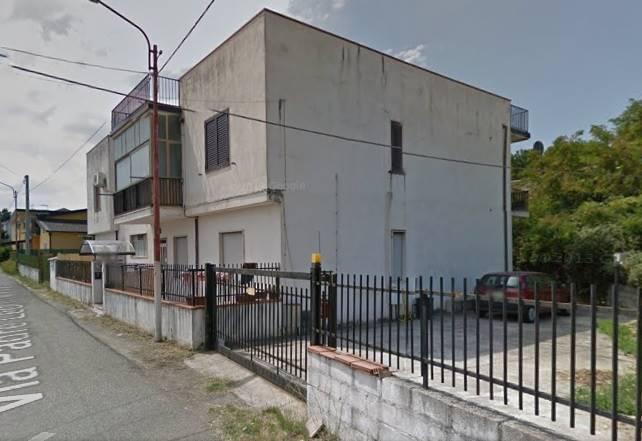 Appartamento in vendita a Rende, 3 locali, zona Località: ARCAVACATA, prezzo € 57.000 | Cambio Casa.it