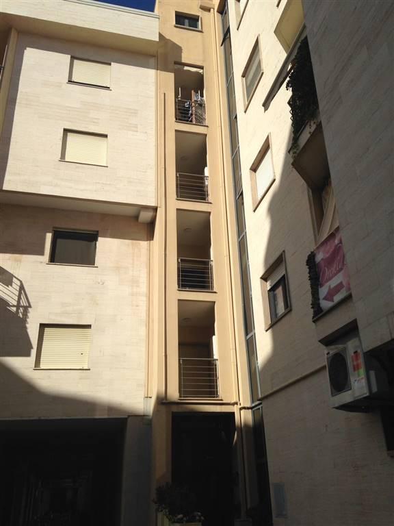 Attico / Mansarda in affitto a Rende, 2 locali, zona Località: COMMENDA, prezzo € 280 | Cambio Casa.it