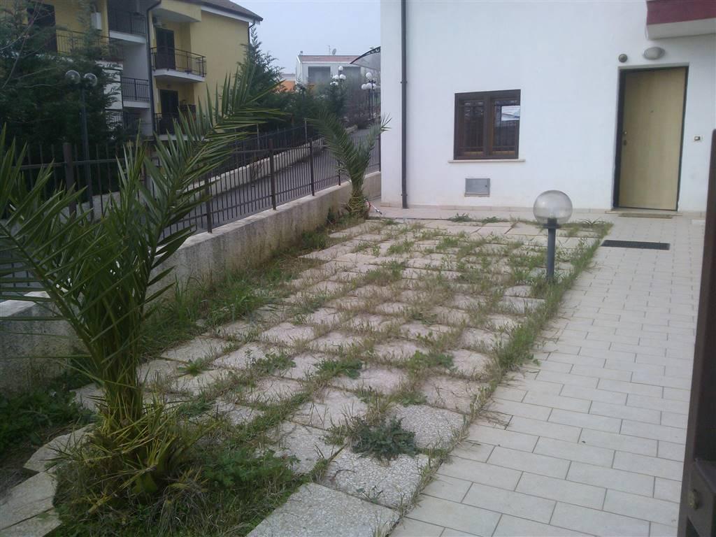Appartamento in vendita a Rende, 4 locali, zona Località: ARCAVACATA, prezzo € 99.000 | Cambio Casa.it