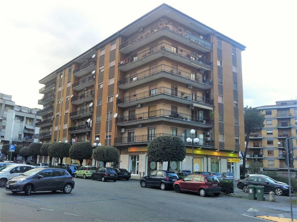 Appartamento in vendita a Rende, 3 locali, zona Zona: Roges, prezzo € 250.000 | Cambio Casa.it