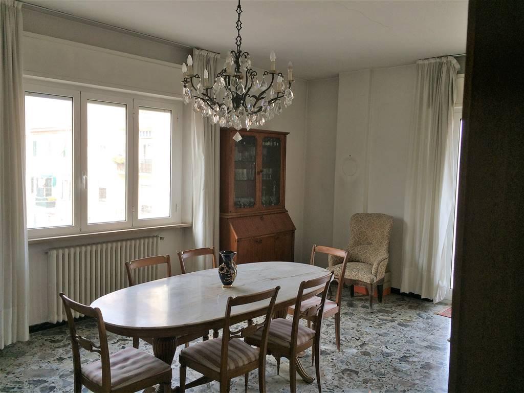 Appartamento in vendita a Falconara Marittima, 4 locali, zona Zona: Centro, prezzo € 75.000   Cambio Casa.it