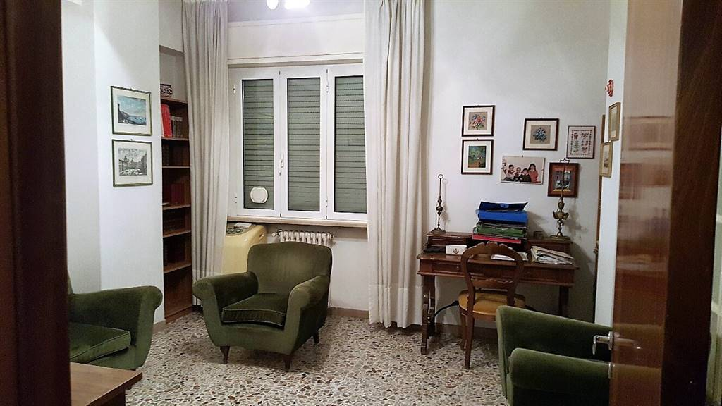 Appartamento in vendita a Falconara Marittima, 4 locali, zona Zona: Centro, prezzo € 99.000 | Cambio Casa.it