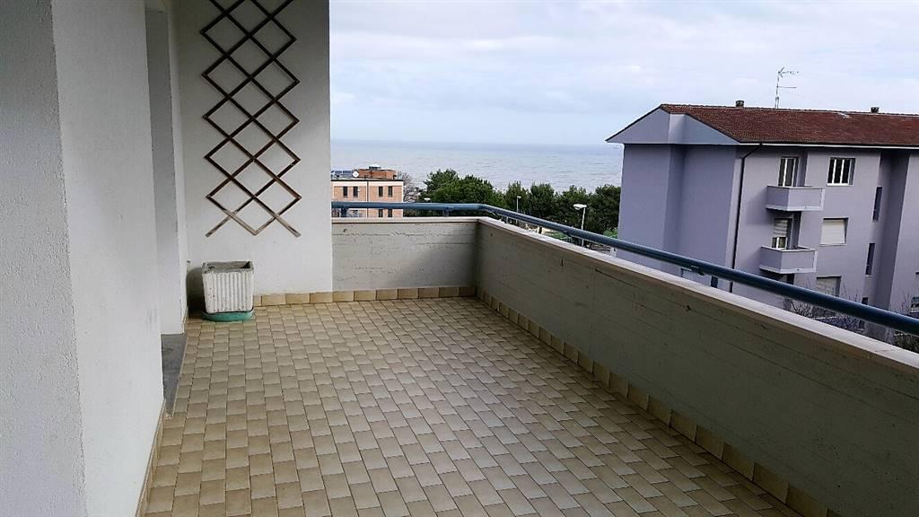 Appartamento in affitto a Falconara Marittima, 4 locali, zona Zona: Palombina vecchia, prezzo € 600 | CambioCasa.it