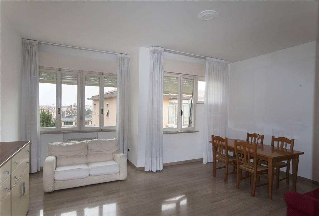 Appartamento in affitto a Ancona, 6 locali, zona Zona: Centro, prezzo € 530 | Cambio Casa.it