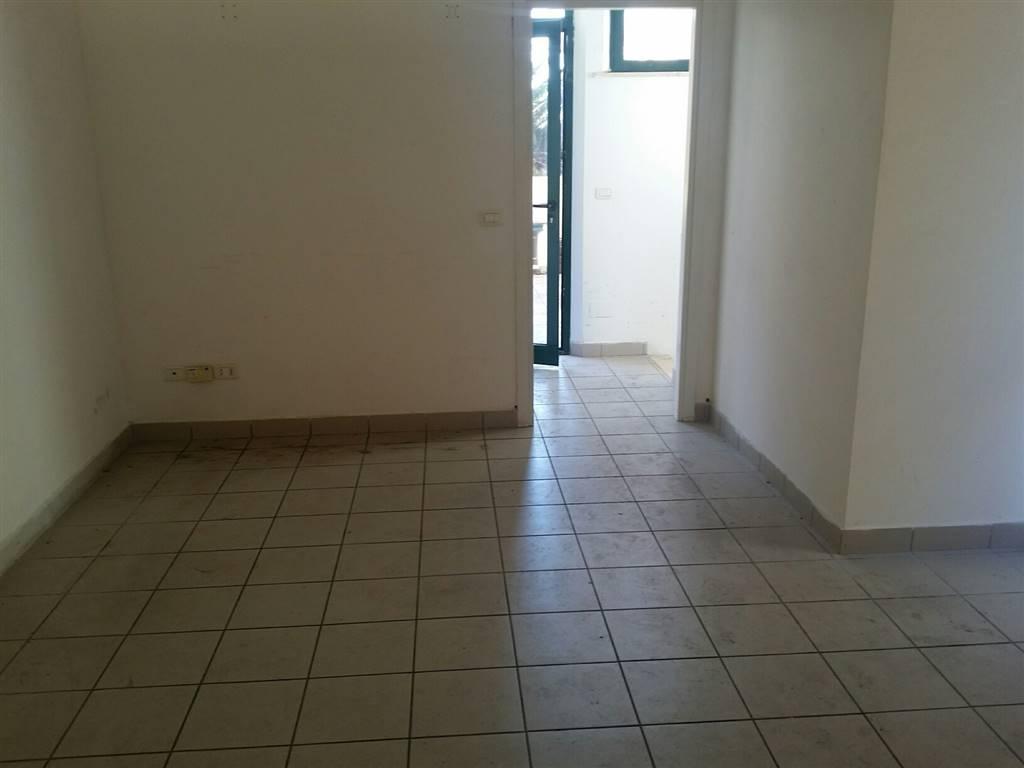 Negozio / Locale in affitto a Falconara Marittima, 9999 locali, zona Zona: Stadio, prezzo € 450 | Cambio Casa.it