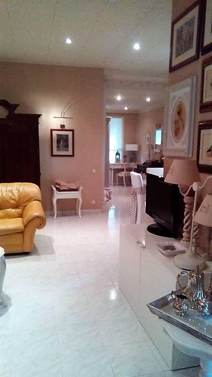 Villa Bifamiliare in Vendita a Falconara Marittima