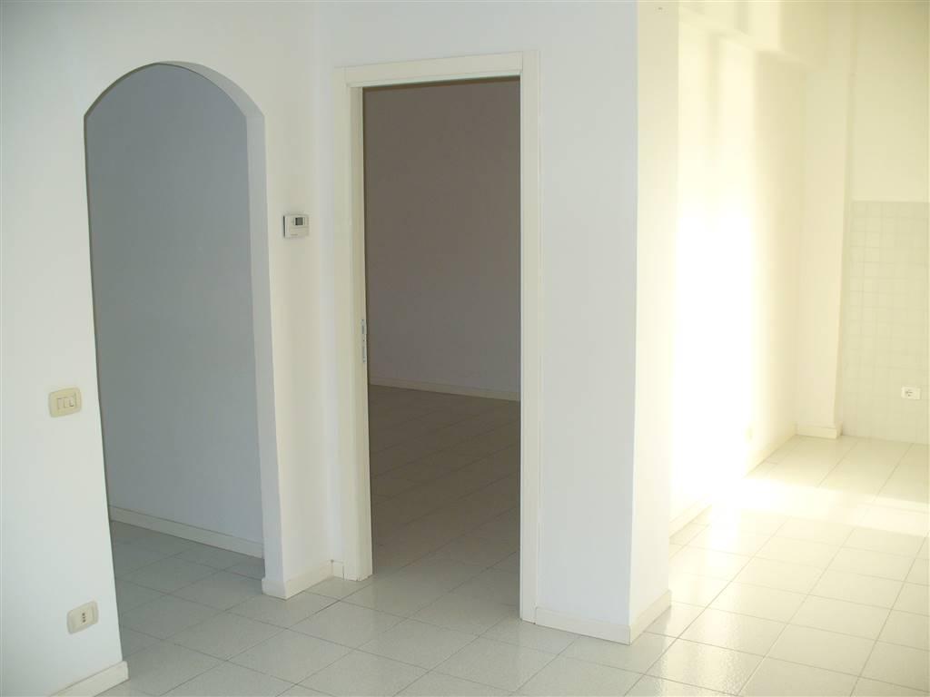 Appartamento in affitto a Ancona, 2 locali, zona Zona: Centro storico, prezzo € 460   CambioCasa.it