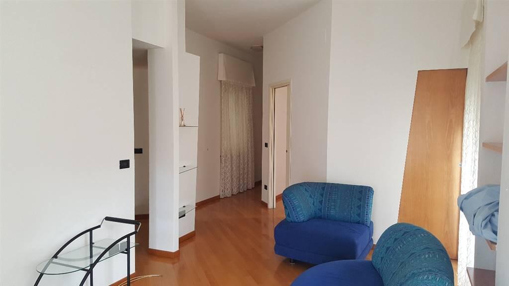 Appartamento in affitto a Falconara Marittima, 2 locali, zona Zona: Centro, prezzo € 350 | CambioCasa.it