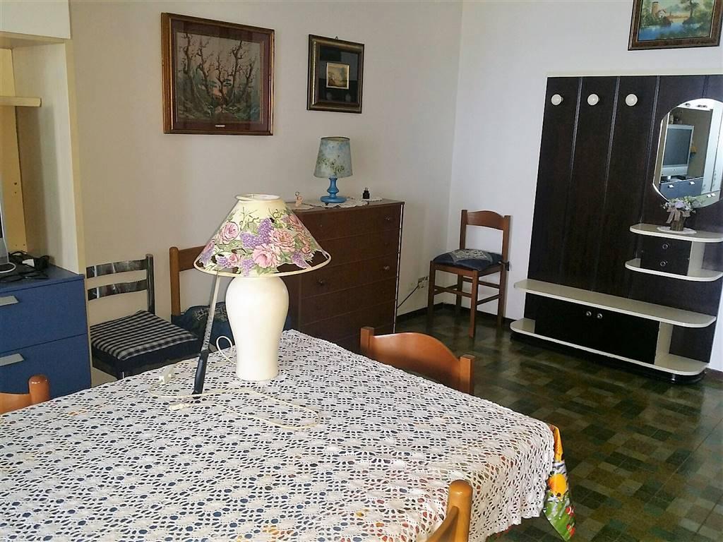 Appartamento in affitto a Montemarciano, 4 locali, zona Zona: Marina di Montemarciano, prezzo € 400 | CambioCasa.it
