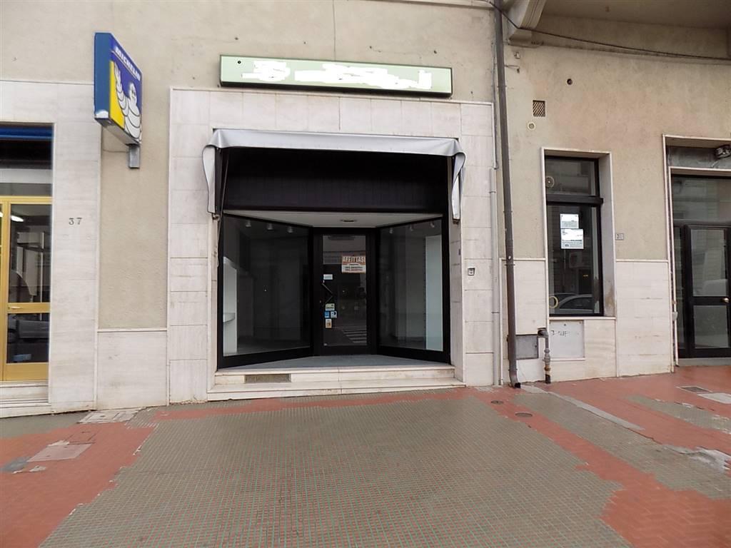 negozio  in Affitto a Cecina