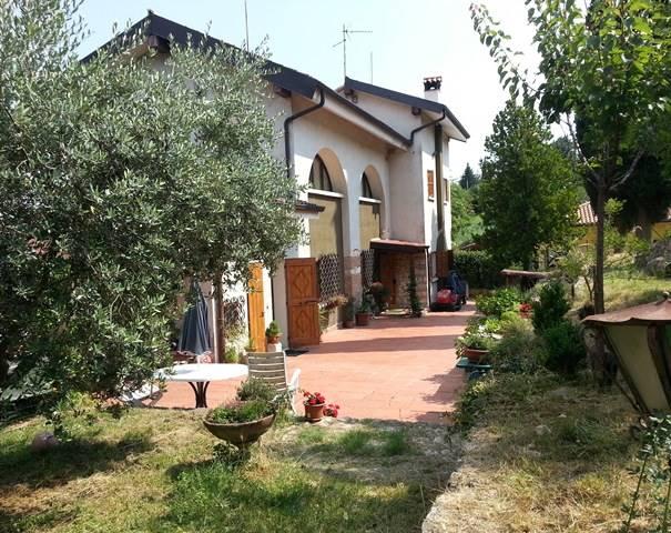Villa in vendita a Negrar, 13 locali, Trattative riservate | CambioCasa.it