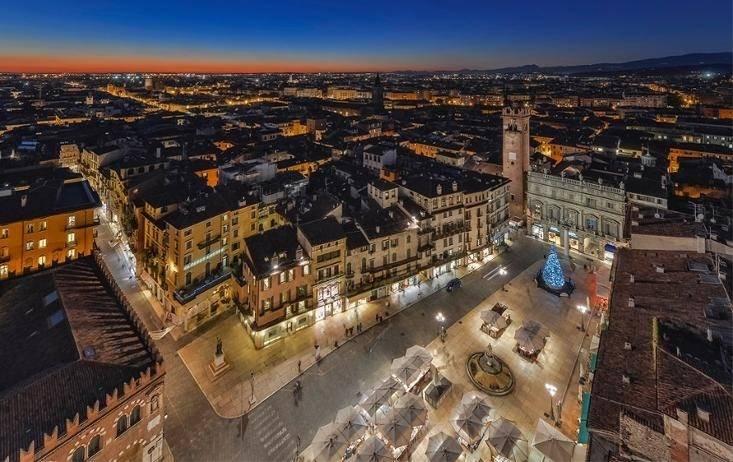 Attico / Mansarda in vendita a Verona, 7 locali, zona Zona: 6 . Borgo Trieste - Borgo Venezia, Trattative riservate | Cambio Casa.it