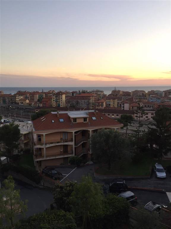 Appartamento in vendita a Ventimiglia, 4 locali, prezzo € 230.000 | Cambio Casa.it