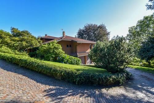 Villa in vendita a Tradate, 8 locali, prezzo € 900.000 | Cambio Casa.it